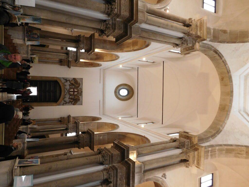 San Giorgio dei Genovesi - Foto della navata centrale con vista verso l'ingresso