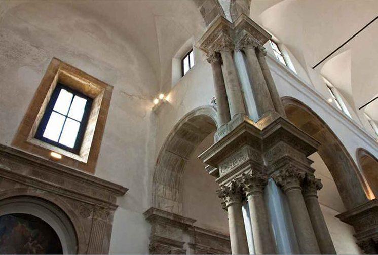 San Giorgio dei Genovesi - Gruppo tetrastilo di colonne