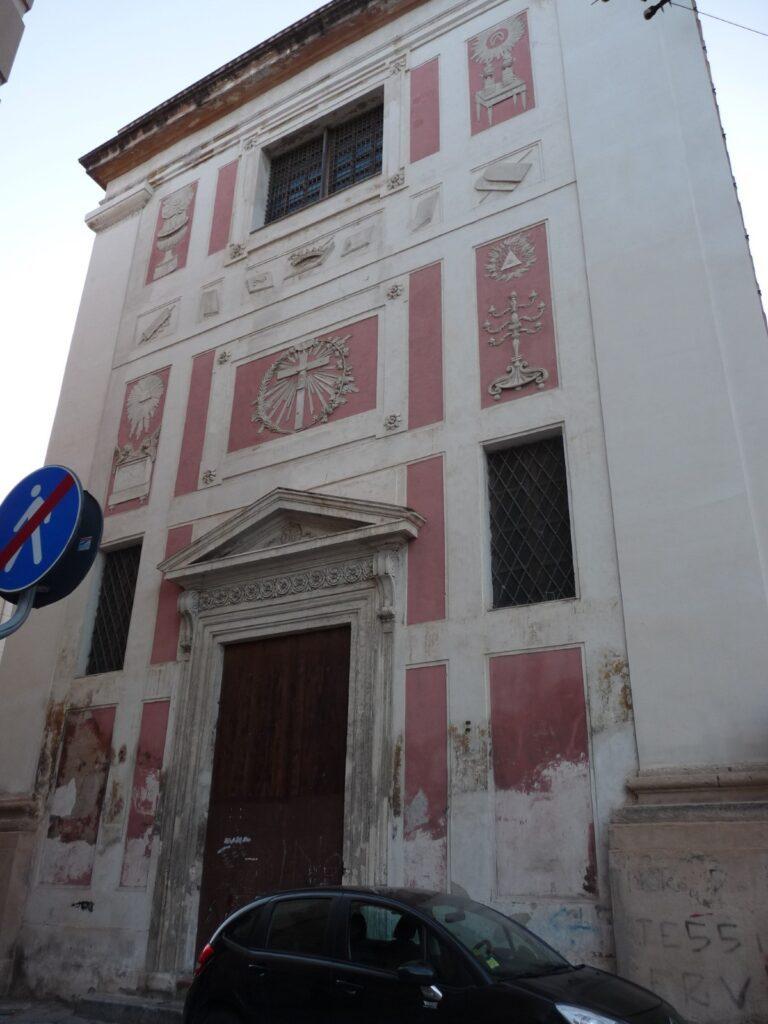 Santa Maria in Valverde - Prospetto principale