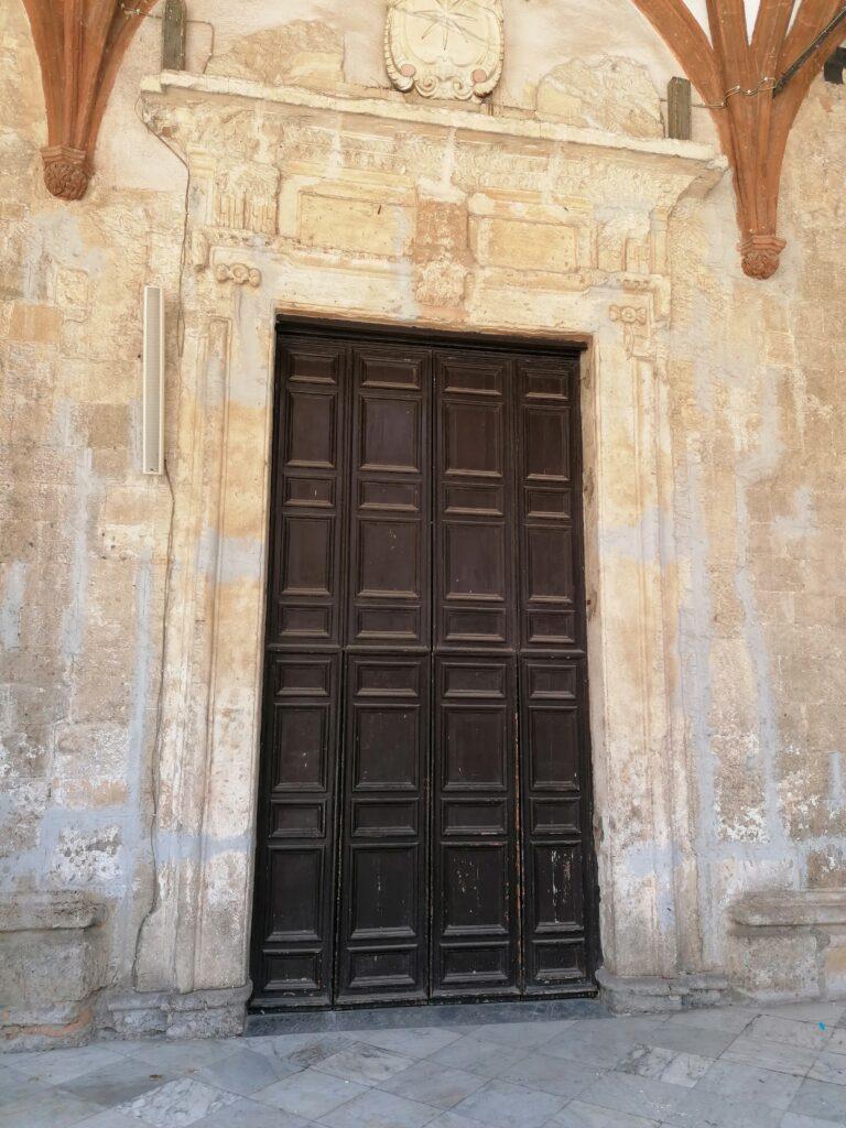 Santa Maria la Nova - Portale di ingresso