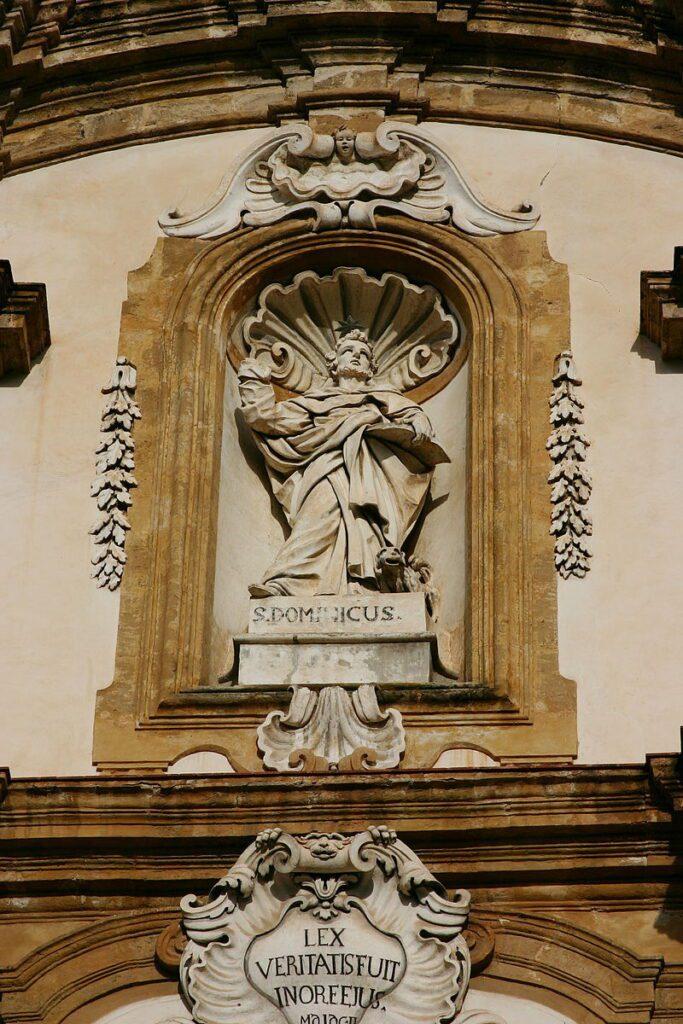 Complesso di San Domenico - Statua di San Domenico
