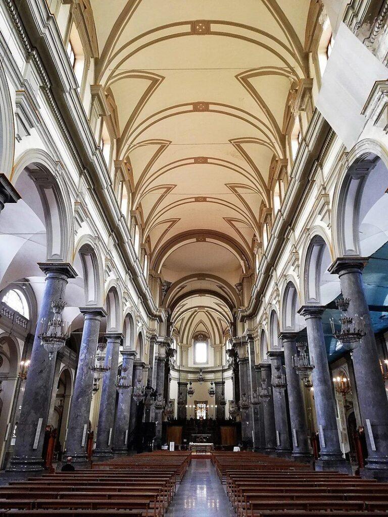 Complesso di San Domenico - Foto della navata centrale verso l'abside