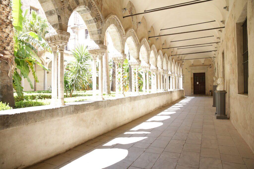 Complesso di San Domenico - Foto della corsia orientale del chiostro